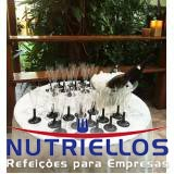 refeição em obra em Biritiba Mirim